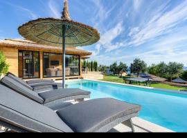 luxury bungalow new horizons iv, Езера