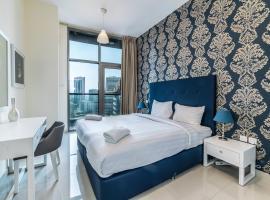 Hometown Apartments - Grandiose 3BR Apartment by the Lake, Dubaj
