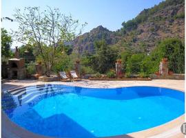 Marmaris Villa Sleeps 8 Pool Air Con WiFi, Orhaniye