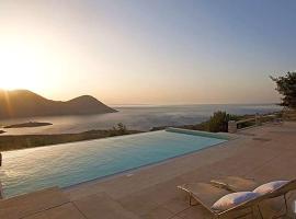 Areopoli Villa Sleeps 8 Pool Air Con WiFi, Flomokhórion