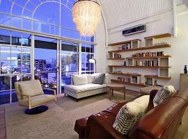 Stellenbosch Apartment Sleeps 4 Pool Air Con WiFi, Le Cap