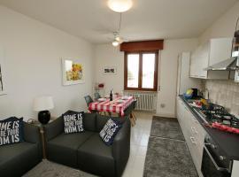 Peschiera del Garda Apartment Sleeps 4 Air Con, Пескьера-дель-Гарда