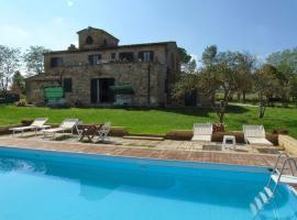 Lajatico Villa Sleeps 7 Pool WiFi, Laiatico