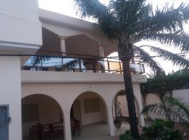 les bougainvilliers, Lomé