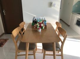Deluxe 3BR Apt at Vinhomes Central Park (Landmark 2), Ho Chi Minh