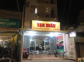 Nhà nghỉ Vạn Xuân, Duong Dong