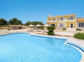 Gouvia Villa Sleeps 8 Pool Air Con WiFi, Gouviá