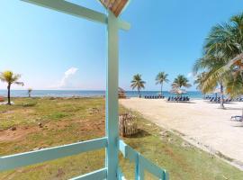 Palms Villa + Reef Villa, Roatán