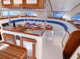 Madiana Catamaran cruises, Luchon