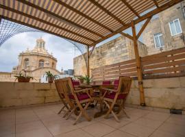 Huge Townhouse in The City Centre of Valletta, Valletta