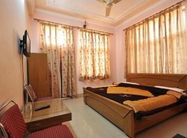 1 BR Guest house in Tyagi Road, Dehradun (9EBD), by GuestHouser, Dehradun
