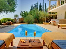Mousata Villa Sleeps 6 Pool Air Con WiFi, Mousáta