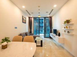 Long's Apartment in Vinhomes Golden River, Ho Chi Minh