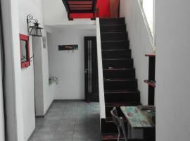 Hermosa casa PH con terraza, Rosario