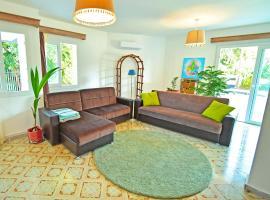 Larimar House ~Quite, beautiful, spacious~, Lefkosa Turk