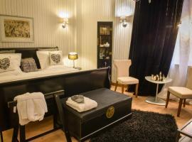 Scala In Rooms & Apartments, Bukareszt