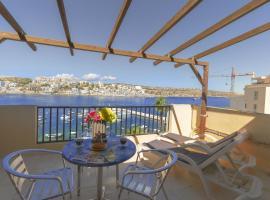 GetawaysMalta - Harbour Lights Seafront Penthouse with Terrace St Paul's Bay, San Pawl il-Baħar
