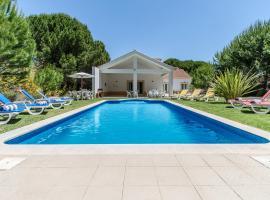 Quinta do Chaparro Villa Sleeps 9 Pool WiFi, Quinta do Conde