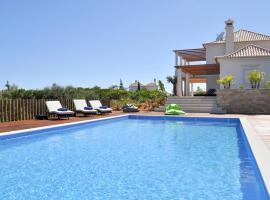 Sagres Villa Sleeps 10 Pool Air Con WiFi, Sagres