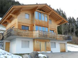 Zweisimmen Apartment Sleeps 10 WiFi, Zweisimmen
