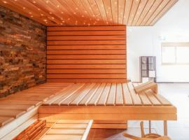 Zermatt Apartment Sleeps 8 Pool WiFi T496575, Zermatt