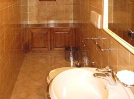 Tolena Villa Sleeps 10 Pool WiFi, Quercegrossa