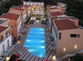Kato Daratso Apartment Sleeps 4 Pool Air Con WiFi, Kato Daratso