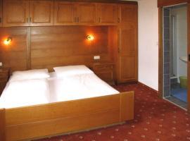 Windau Villa Sleeps 19 WiFi T682683, Sölden