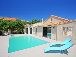 Le Grau-d'Agde Villa Sleeps 10 Pool Air Con WiFi, Le Grau-d'Agde