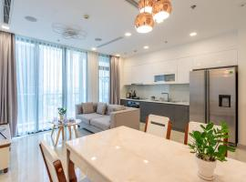 Spacious Luxurious Apartment at City Central - Urbanext, Хошимин