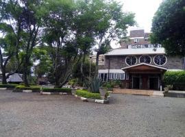 EEL HOTEL, Molo