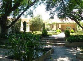 Moon and Sixpence Garden Guest House, Muldersdrift