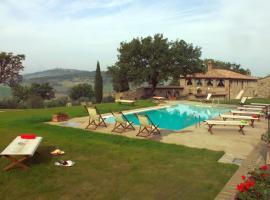 Monticchiello Villa Sleeps 14 Pool Air Con WiFi, Monticchiello