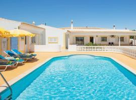 Benagil Villa Sleeps 6 Air Con WiFi, Benagil