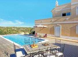 Salgados Villa Sleeps 6 Air Con WiFi, Guia