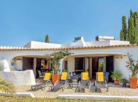 Carvoeiro Villa Sleeps 6 Air Con WiFi, Carvoeiro