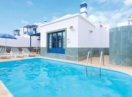 Playa Blanca Villa Sleeps 6 Air Con WiFi, Playa Blanca