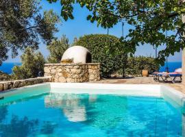 Agios Nikitas Villa Sleeps 4 Air Con WiFi, Áyios Nikítas