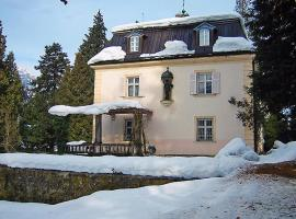 Fugen Villa Sleeps 12 Pool, Fügen