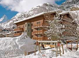 Zermatt Apartment Sleeps 3 Pool WiFi, Zermatt