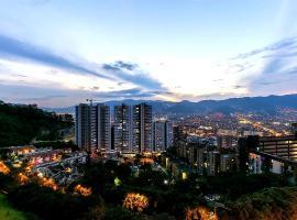 POBLADO APARTMENT, Medellín