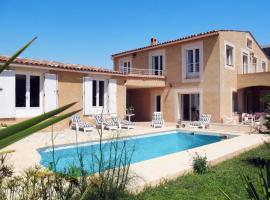 Bandol AOC Villa Sleeps 10 Pool Air Con WiFi, Bandol