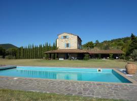 Castellina Marittima Villa Sleeps 10 Pool WiFi, Castellina Marittima