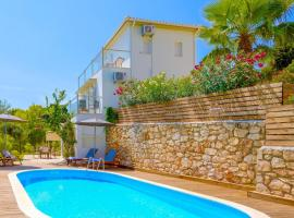 Ai Giannis Villa Sleeps 6 Pool Air Con WiFi, Keríon