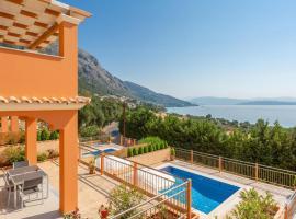 Villa Danaia, Barbati