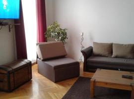 Lóránt Apartman, Pécs