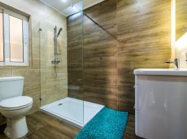 Qawra - Modern 2 Bedroom Seaside Apartment, 圣保罗湾城