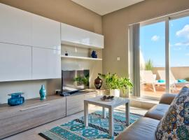 Superb Penthouse with City Views & Terrace, Naxxar