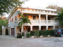 CASA LOVATO BEACH HOUSE, Playa Grande