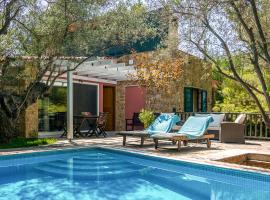 Elia Villa Sleeps 4 Pool Air Con WiFi, Elia
